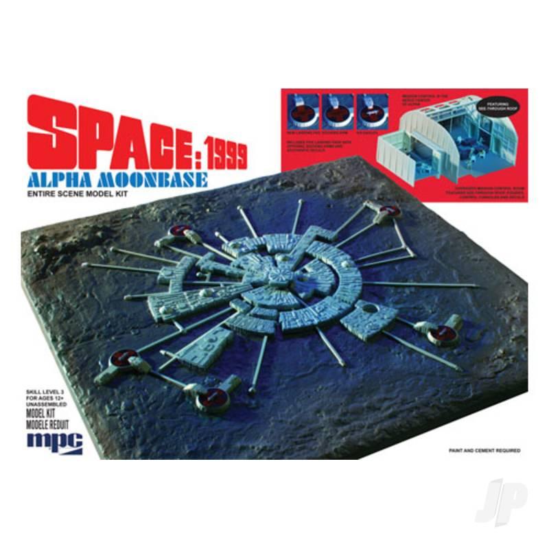 1:3200 Space 1999 Moon Base Alpha